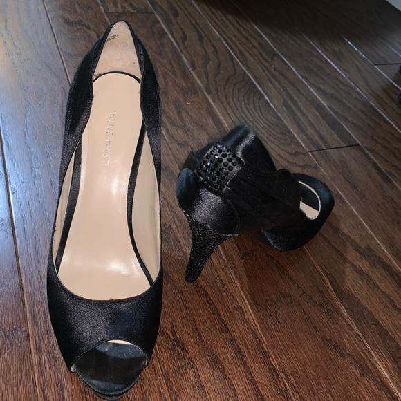Nine West shiny black heels